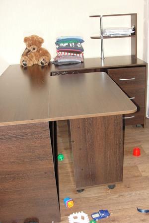 Стол для шитья и кройки и шитья 130